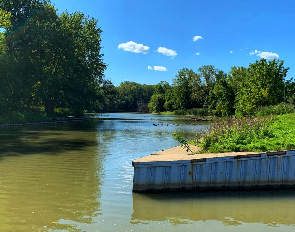 Eastlake chagrin river landing